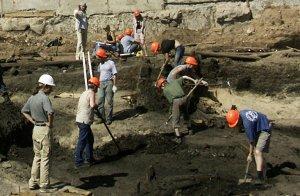 Московские археологи нашли фундамент чайной XIX века