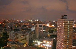 Спрос на новостройки премиум-класса в Москве в июле упал до уровня 2012 г.